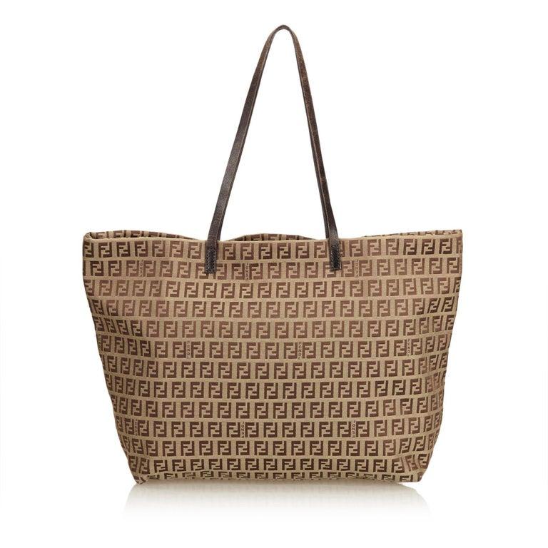 60fe3751da78 Fendi Brown Zucca Canvas Tote Bag In Good Condition For Sale In Orlando