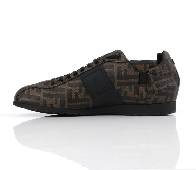 FENDI Brown Zucca Monogram Coated Canvas Logo Mens Low Top Sneaker Shoes In Good Condition For Sale In Thiensville, WI