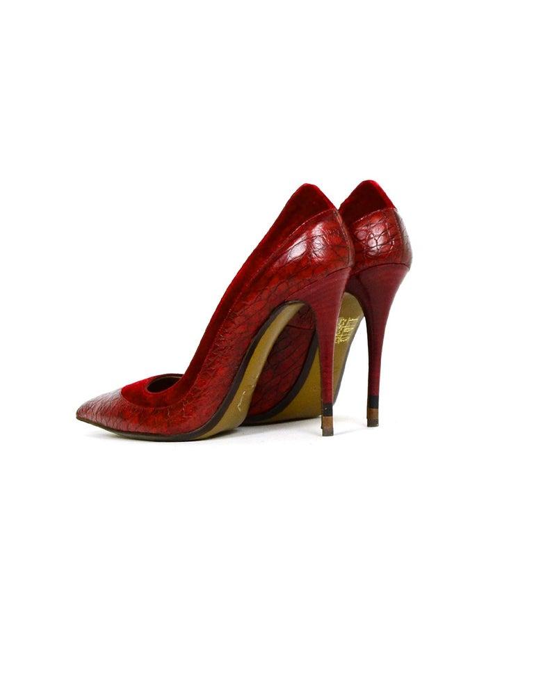 Red Fendi Burgundy Croc Embossed Pointed Toe Pumps w/ Velvet Trim sz 39 rt $790