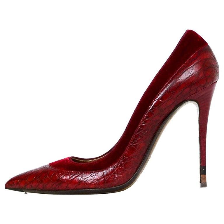 Fendi Burgundy Croc Embossed Pointed Toe Pumps w/ Velvet Trim sz 39 rt $790