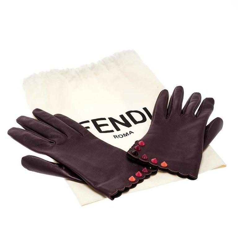 Fendi Burgundy Leather Studded Gloves Size M For Sale 1