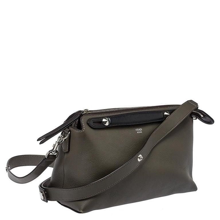 Fendi Grey/Black Leather Medium By The Way Boston Bag In Good Condition In Dubai, Al Qouz 2