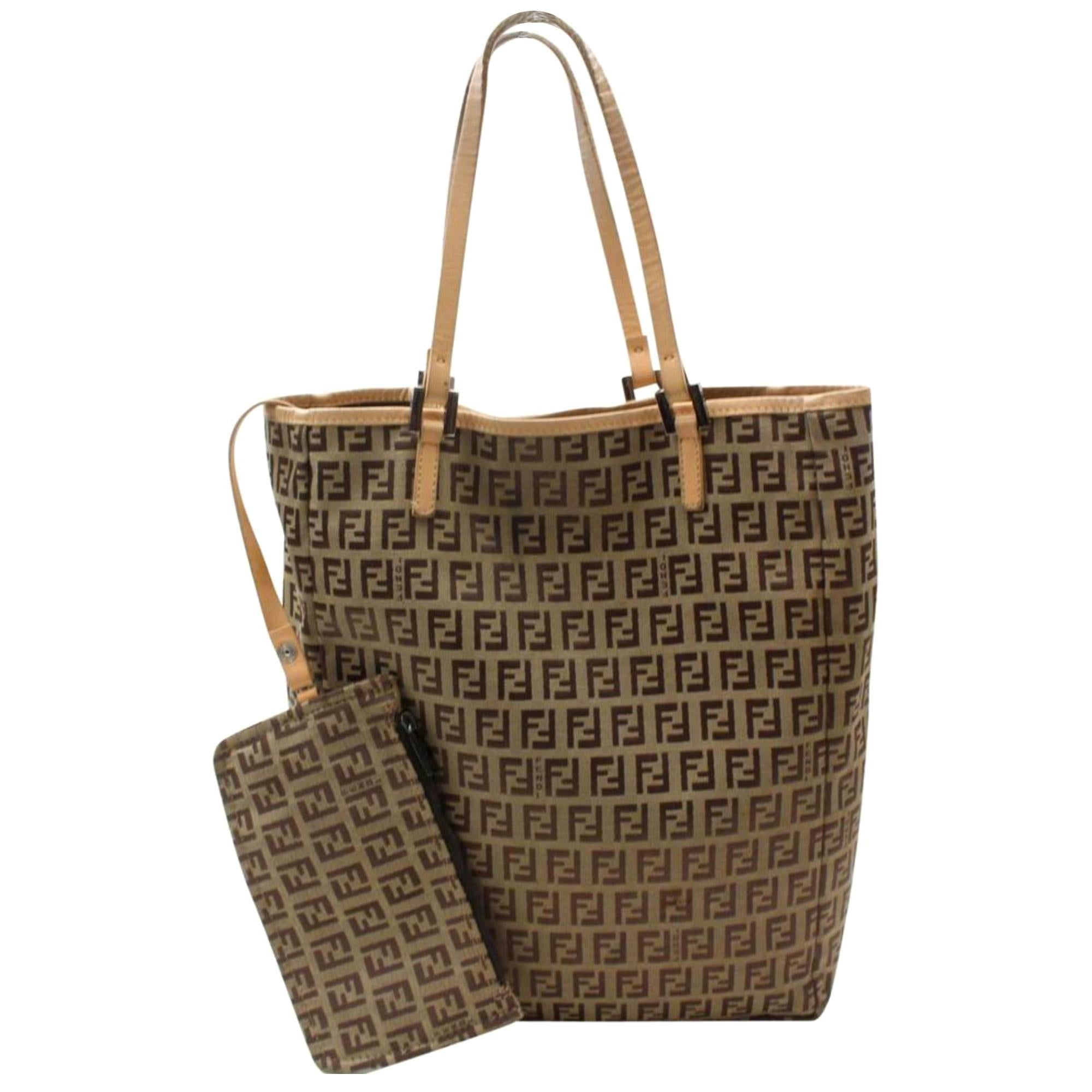 9ef40ad9b937 Vintage Fendi Tote Bags - 196 For Sale at 1stdibs