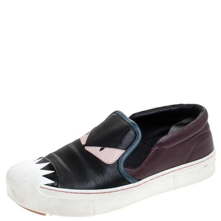 Featuring a quirky monster eye detail, these sneakers from the house of Fendi in leather have been smartly designed to add a fun touch to your look of the day. Easy to flaunt, these slip-on sneakers can be paired with your casual attire for a