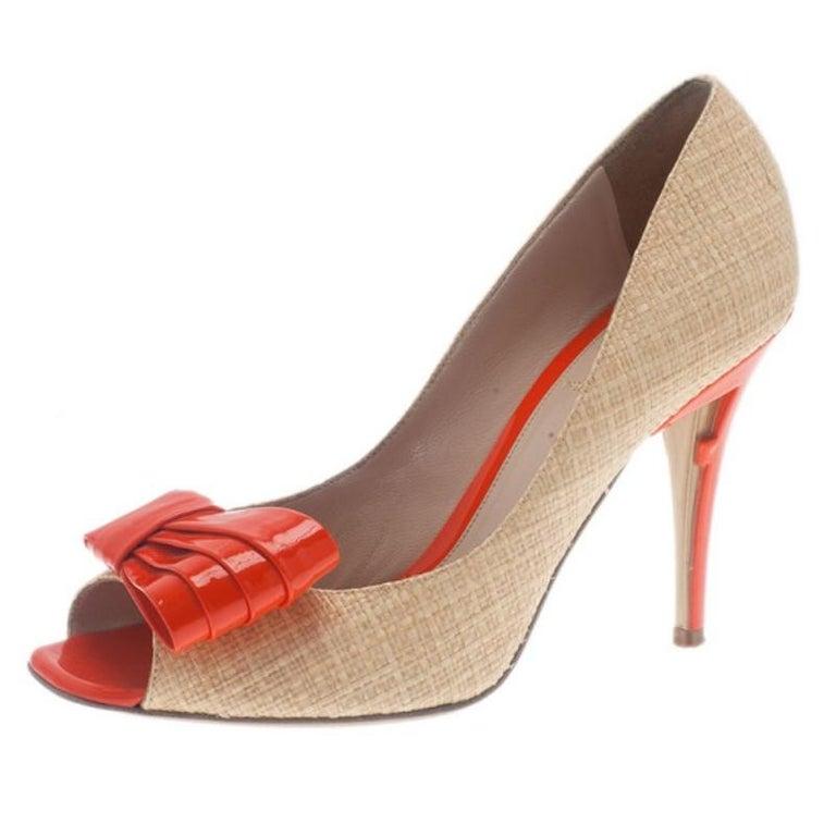 fb4587d6 Fendi Raffia Bow Detail Peep Toe Pumps Size 38