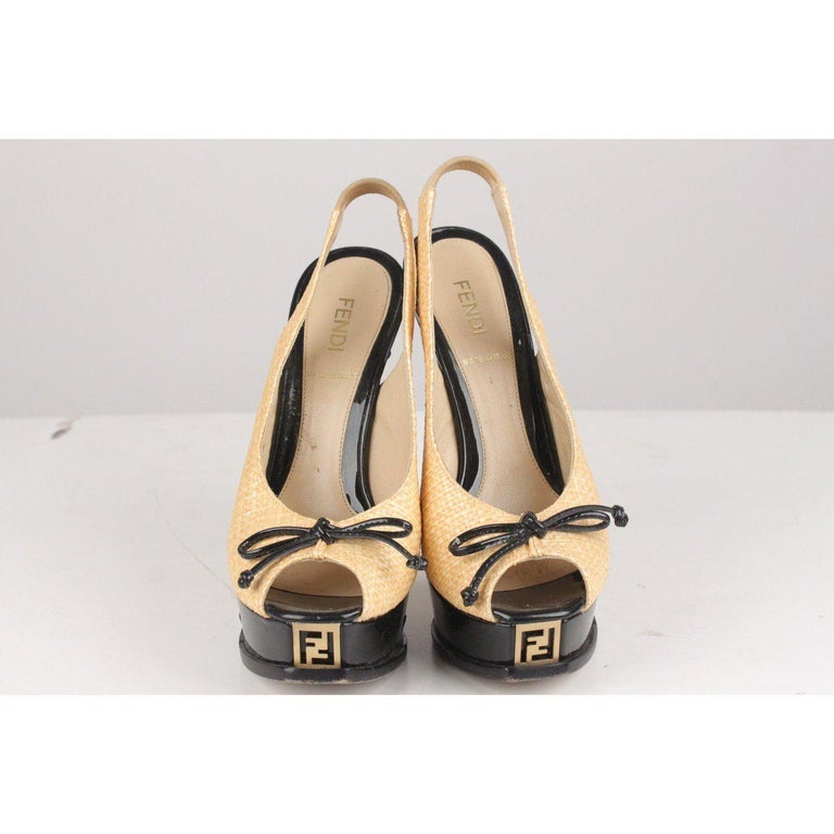MATERIAL: Raffia, Patent Leather COLOR: Beige, Black MODEL: Slingback shoes GENDER: Women CONDITION DETAILS: B :GOOD CONDITION - Some light wear of use - Some scratches on patent leather heels, a couple of deep scratches on the platform, some