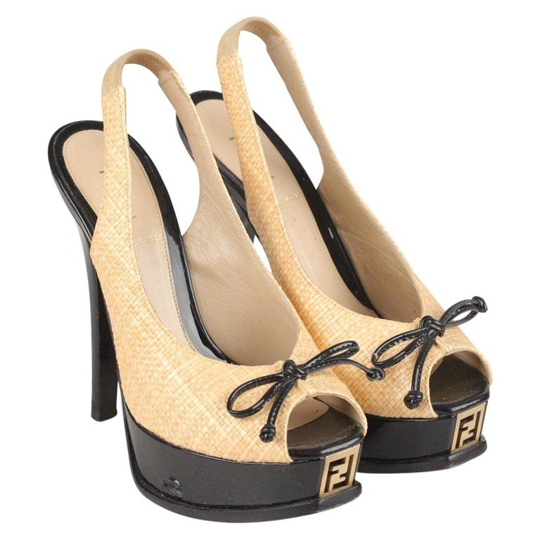 Fendi Woven Raffia Patent Leather Slingback Pumps Size 36 For Sale