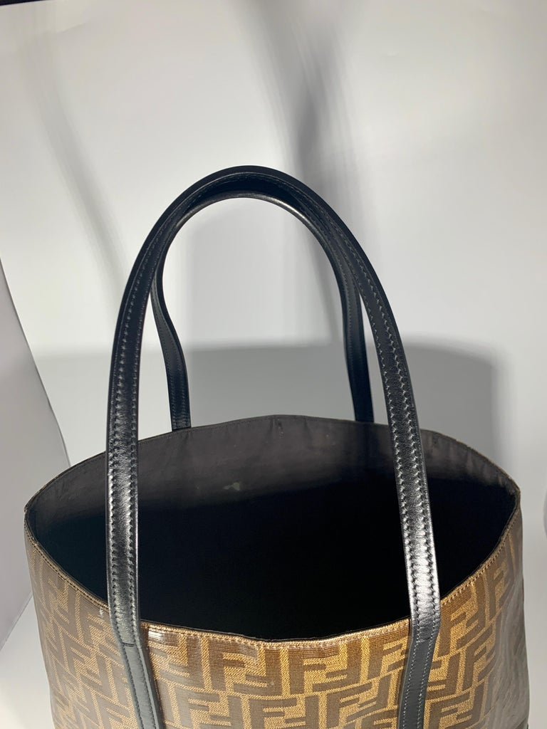 Gray Fendi  Zucca Print  Neverful Tote Shoulder Bag  - Leather/ Canvas, Brown/Black For Sale