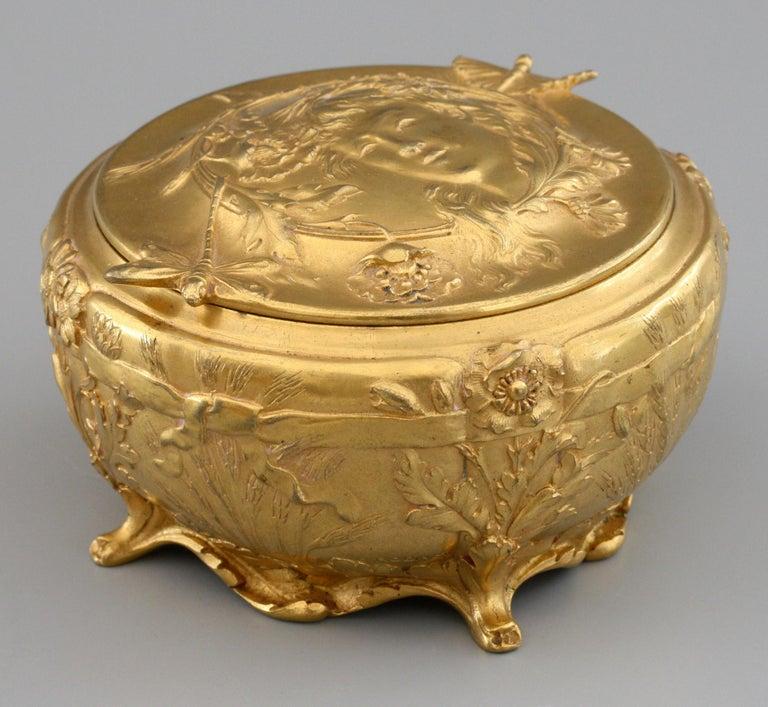 Ferdinand Barbedienne Art Nouveau Gilt Bronze Lidded Box by Robinet For Sale 9
