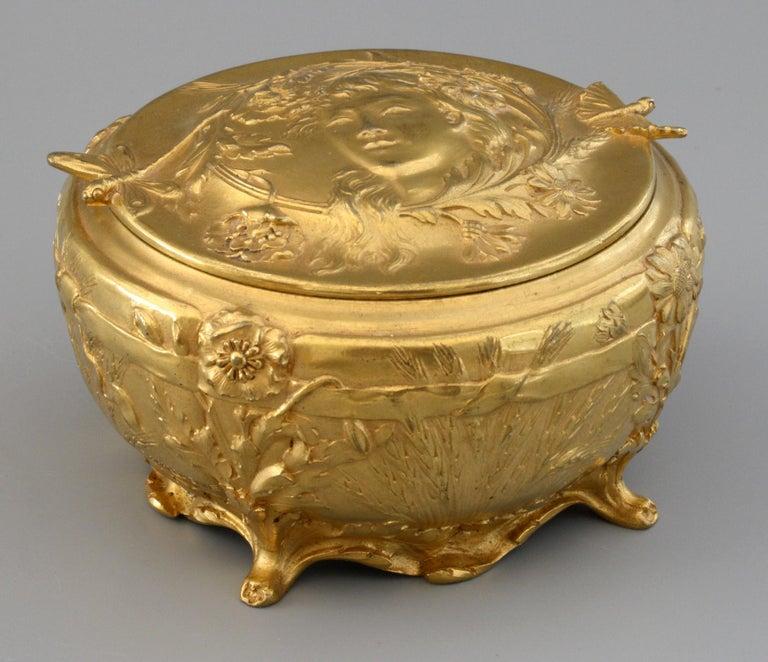 Ferdinand Barbedienne Art Nouveau Gilt Bronze Lidded Box by Robinet For Sale 12