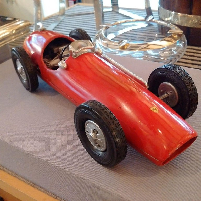 French 'Ferrari 500 F2' Cast Aluminium Pylon or 'Tether' Racing Car Toy by Vega, 1952 For Sale