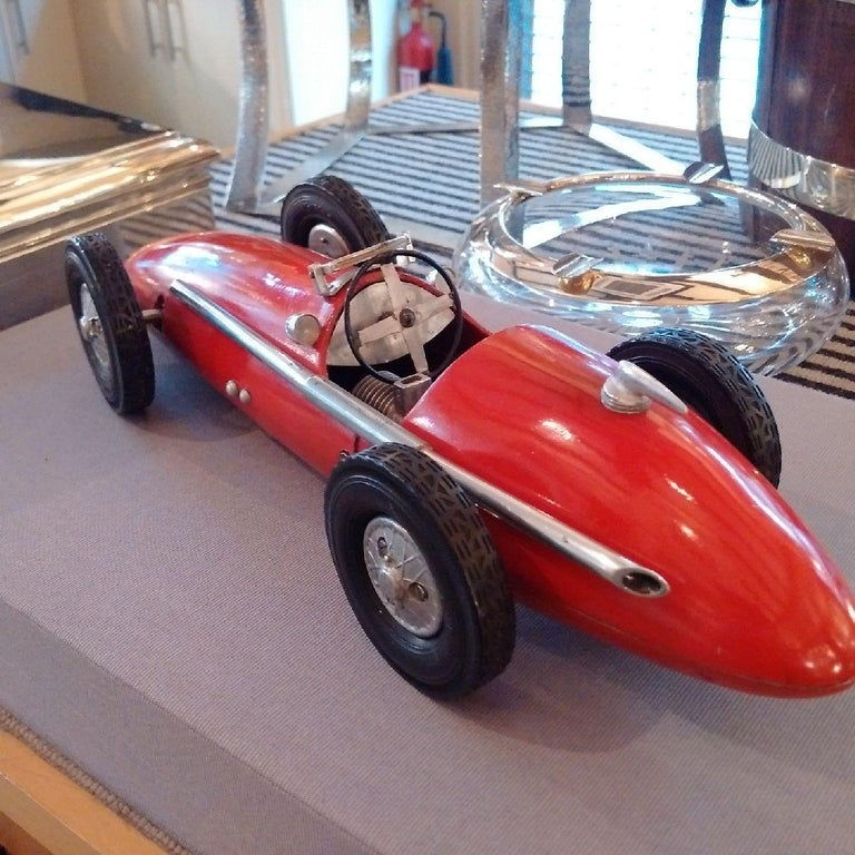 'Ferrari 500 F2' Cast Aluminium Pylon or 'Tether' Racing Car Toy by Vega, 1952 In Good Condition For Sale In London, GB
