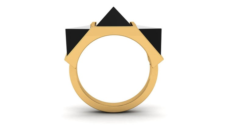 Women's or Men's Black Onyx Three Pyramids in 18k Yellow Gold Ring  For Sale