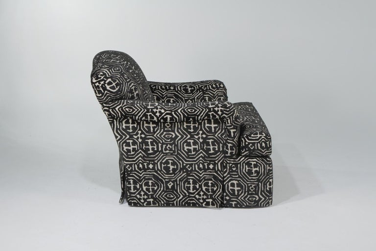 Late 20th Century Fetching Black and White Club Chair and Ottoman in Chic Tribal Upholstery For Sale