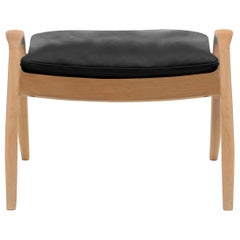 FH430 Signature Footrest in Sif 98 Leather with Oiled Oak by Frits Henningsen