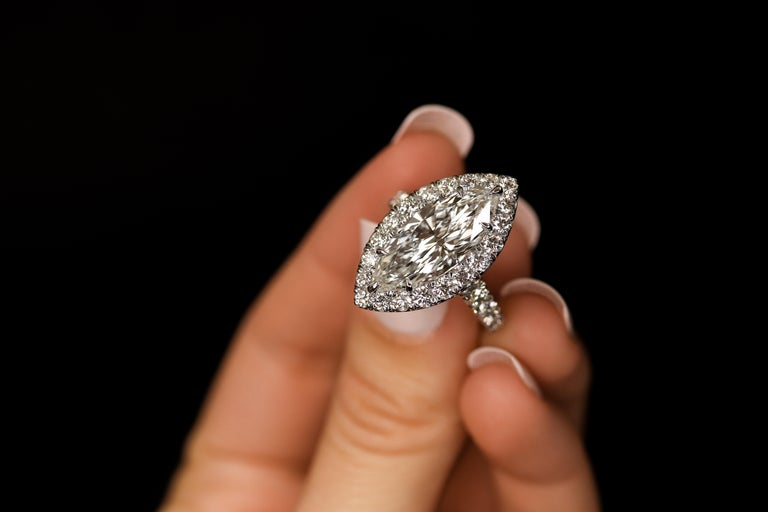 Contemporary FIA Certified Elegant 3.80 Carat Marquise Diamond Ring For Sale