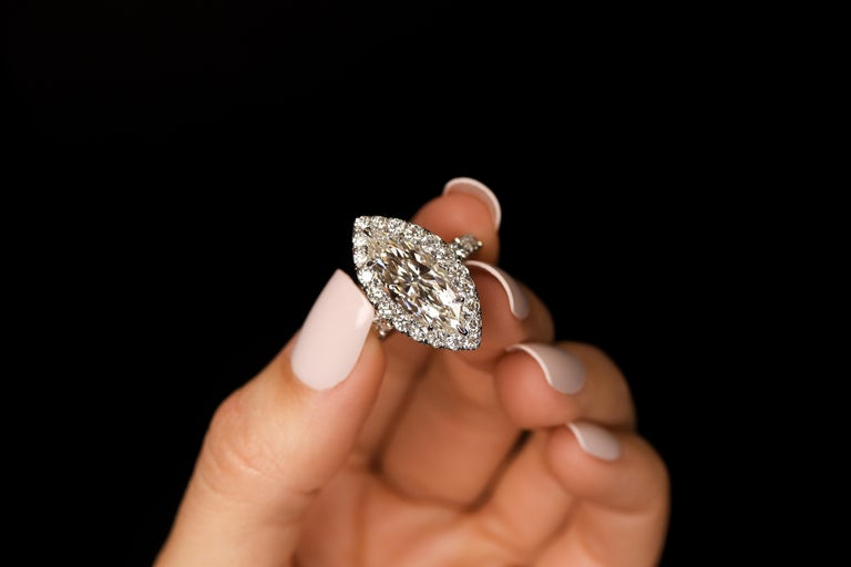 Marquise Cut FIA Certified Elegant 3.80 Carat Marquise Diamond Ring For Sale