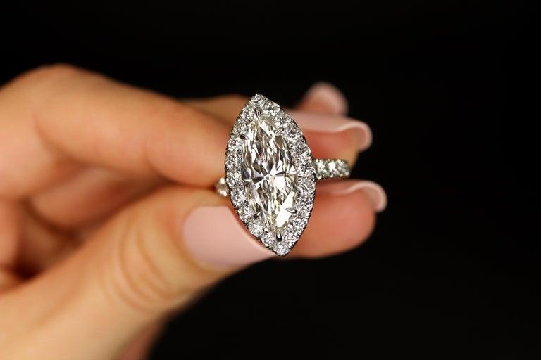 Women's FIA Certified Elegant 3.80 Carat Marquise Diamond Ring For Sale