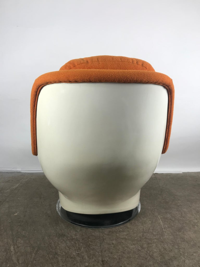 American Fiberglass Space Age Tilt /Swivel Lounge Chair, Milo Baughman, Thayer Coggen