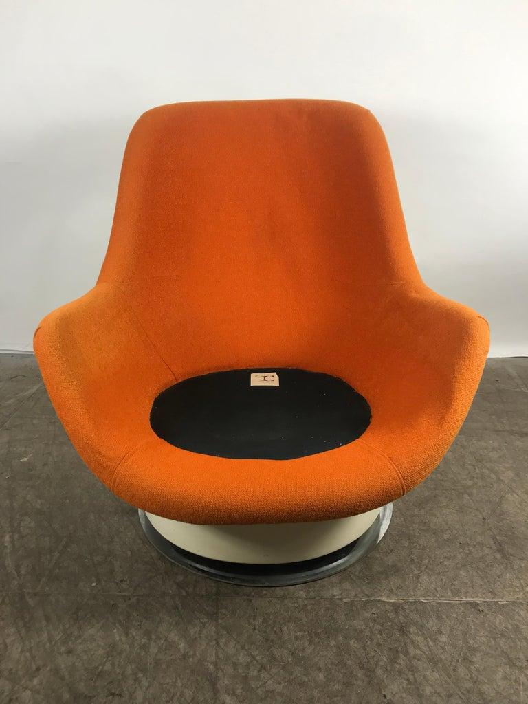 20th Century Fiberglass Space Age Tilt /Swivel Lounge Chair, Milo Baughman, Thayer Coggen