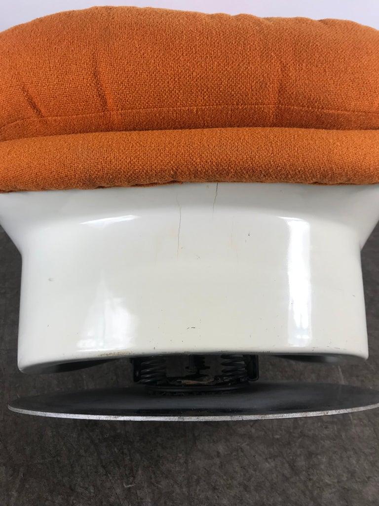 Fiberglass Space Age Tilt /Swivel Lounge Chair, Milo Baughman, Thayer Coggen 1