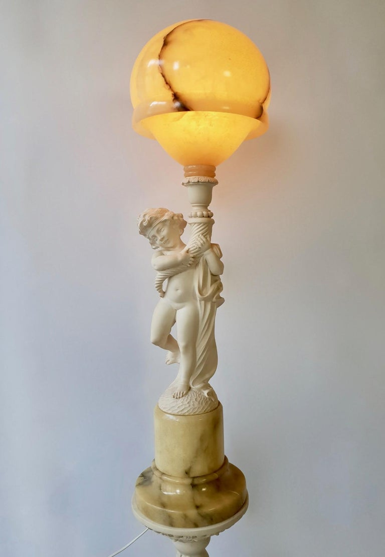 Figural Carved Alabaster Table Lamp on a Column by Prof. G. Bessi In Good Condition For Sale In Antwerp, BE