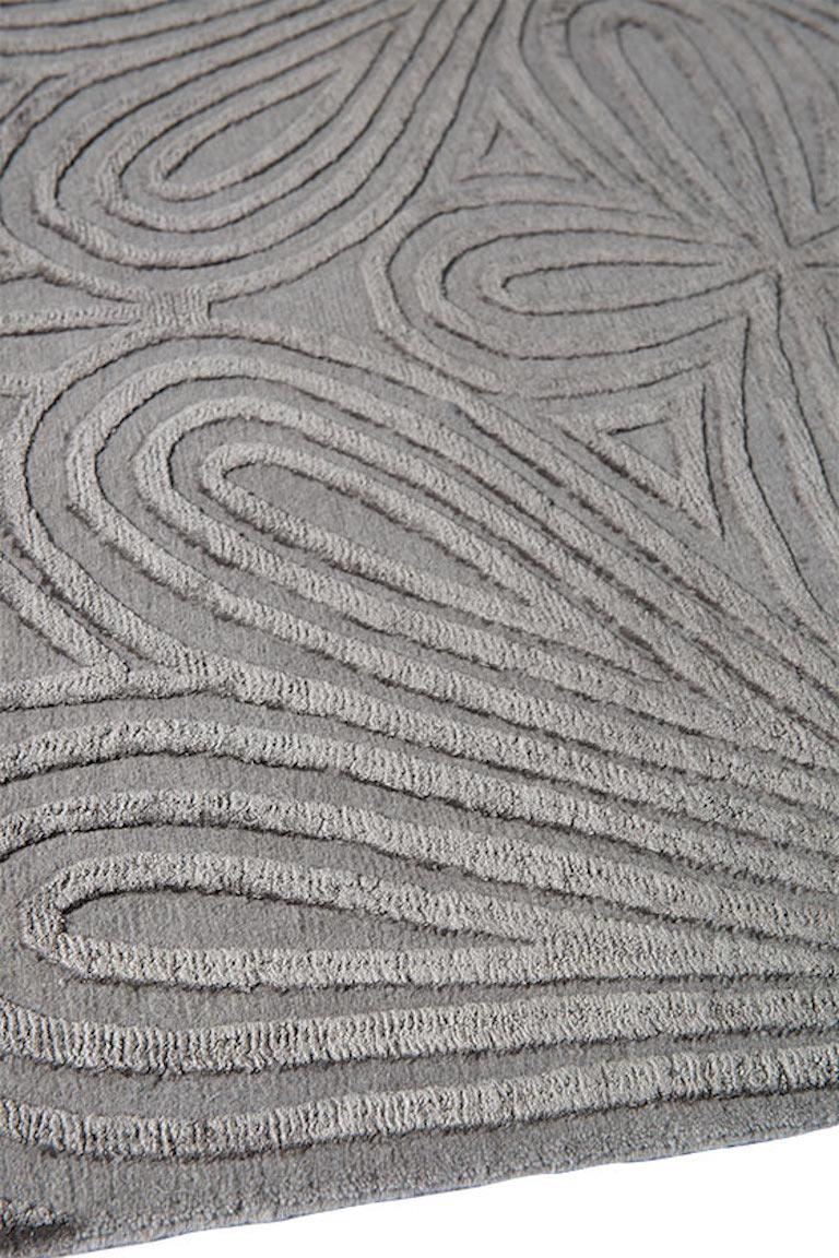 Filigree Hand-Knotted 10x8 Rug in Wool and Silk by Christopher Kane In New Condition For Sale In London, GB