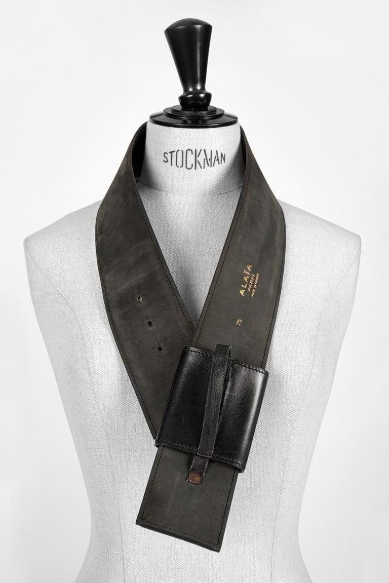 Film Documented F/W 1984/85 AZZEDINE ALAÏA PARIS Black Smooth Leather Waist Belt For Sale 2