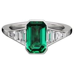 Hancocks Fine 1.29carat Colombian Emerald & Diamond Ring