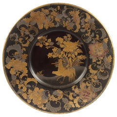 Fine 17th Century Japanese Export Black and Gold Lacquered Pictorial-Style Dish