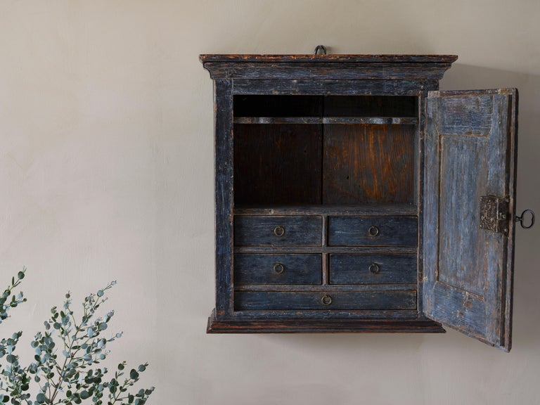 Hand-Crafted Fine 18th Century Provincial Gustavian Wall Cabinet For Sale
