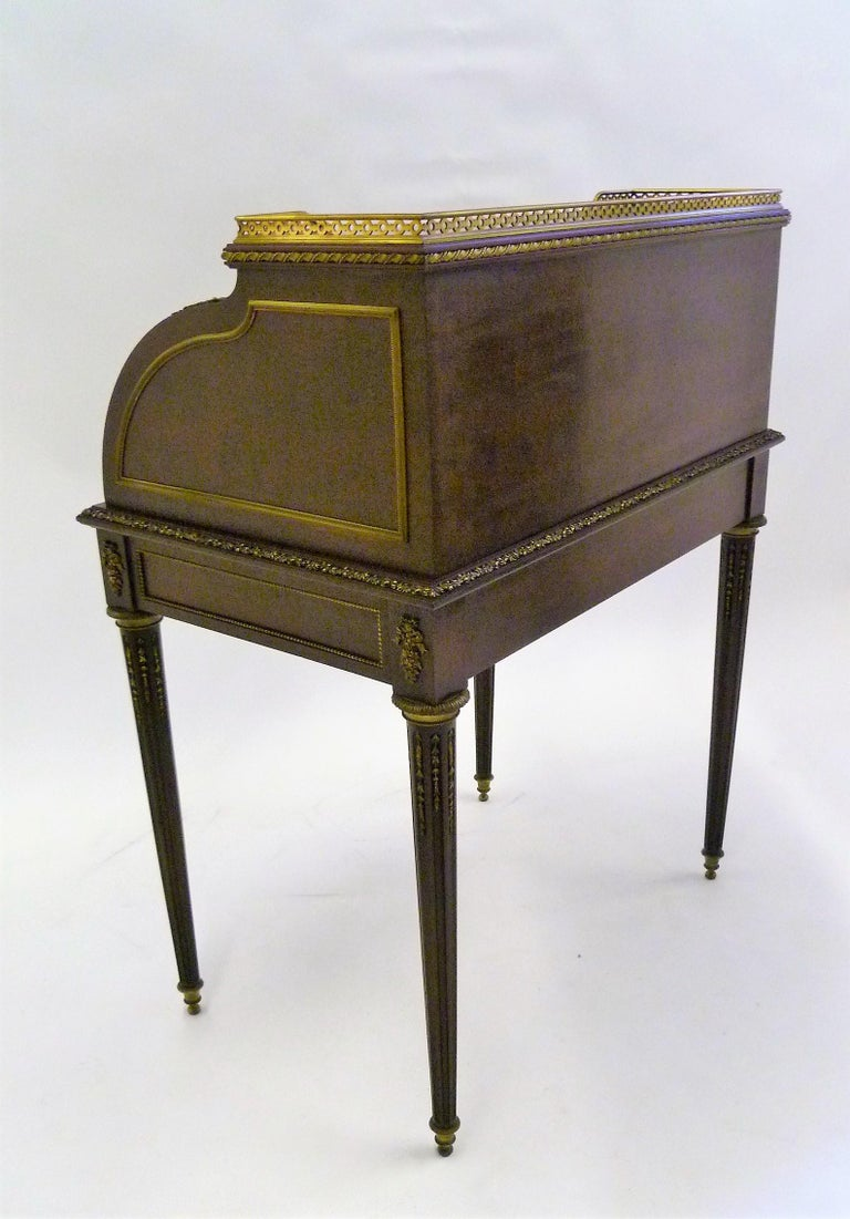Fine 19th Century François Linke Bronze Mounted Bureau a Cylindre Roll Top Desk In Good Condition For Sale In Miami, FL