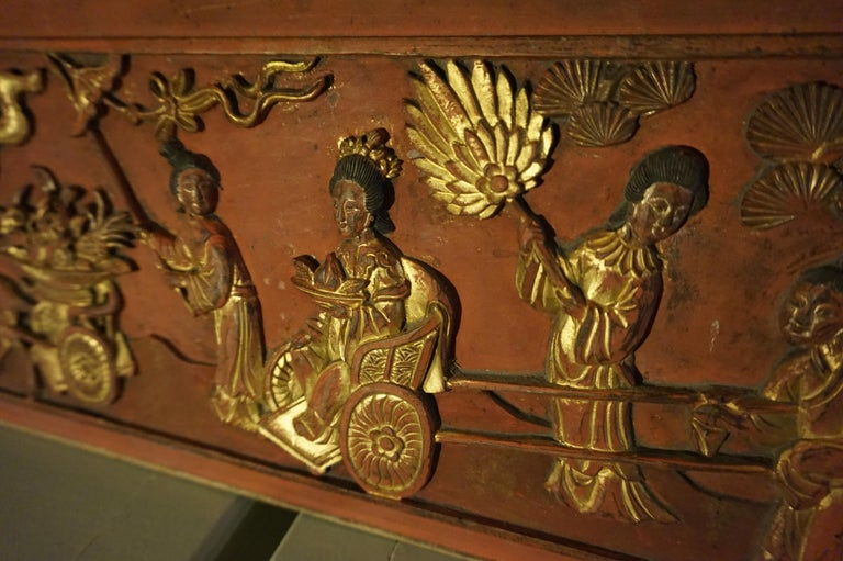 Fine 19th Century Carved Chinese Gilded Wall Plaque Panel For Sale 1