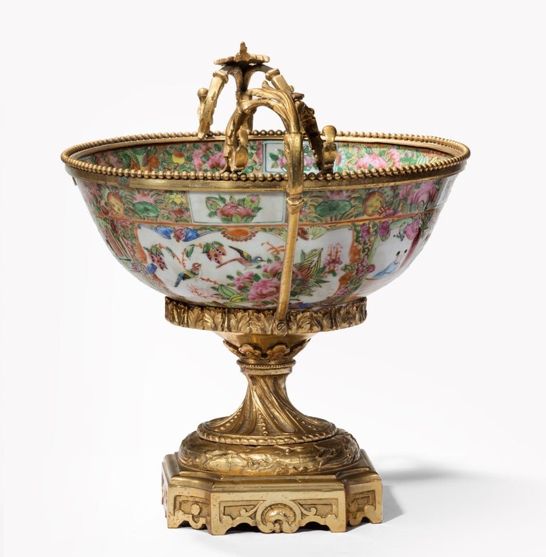Fine 19th Century Chinese Gilt Mounted Canton Centrepiece In Good Condition For Sale In Benington, Herts