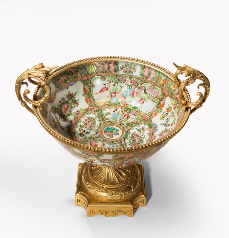 Fine 19th Century Chinese Gilt Mounted Canton Centrepiece For Sale 1