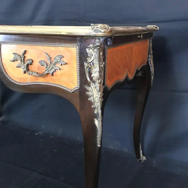Fine 19th Century French Louis XV Bronze Mounted Kingwood & Walnut Writing Desk In Excellent Condition For Sale In Hopewell, NJ