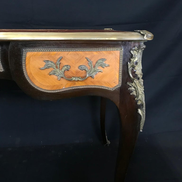 Fine 19th Century French Louis XV Bronze Mounted Kingwood & Walnut Writing Desk For Sale 1