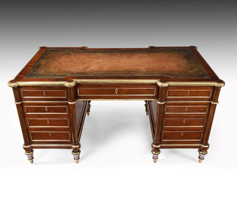 Fine 19th Century Gillows Brass-Mounted Mahogany Pedestal Desk For Sale 6