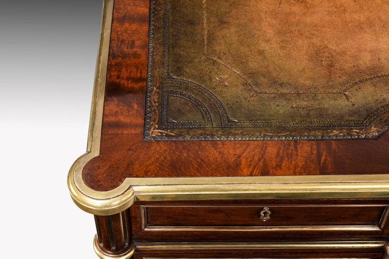 Fine 19th Century Gillows Brass-Mounted Mahogany Pedestal Desk For Sale 8
