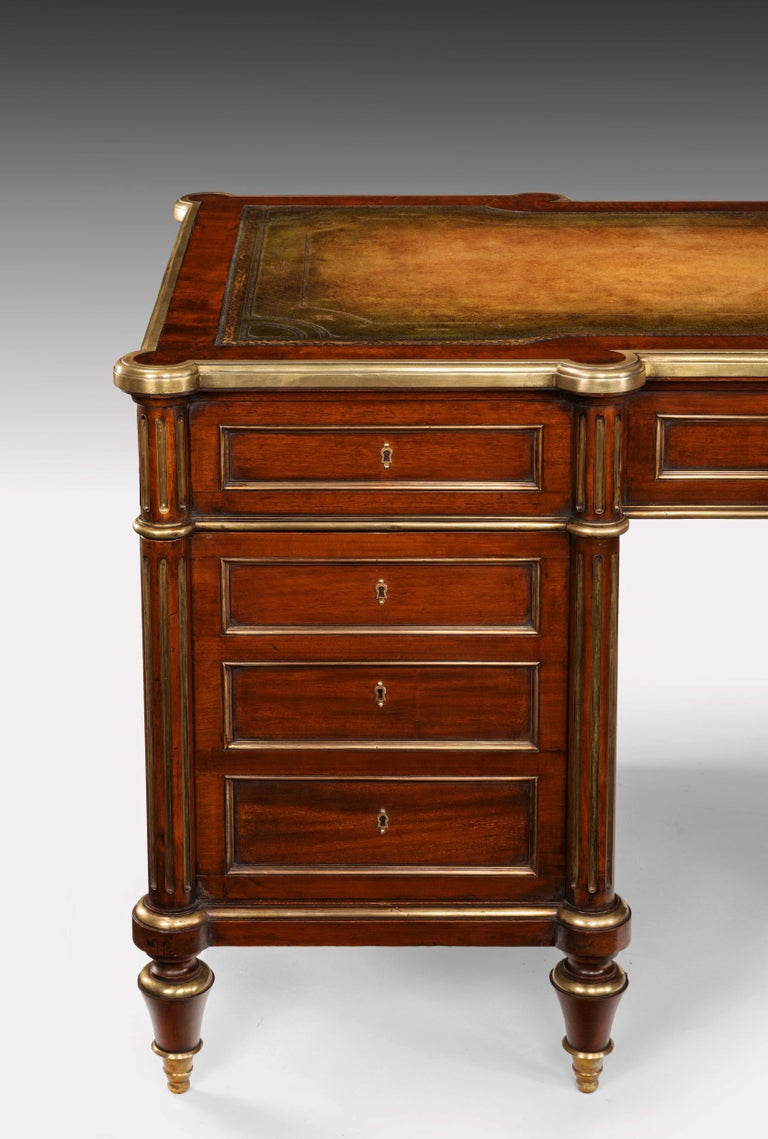 Fine 19th Century Gillows Brass-Mounted Mahogany Pedestal Desk For Sale 10