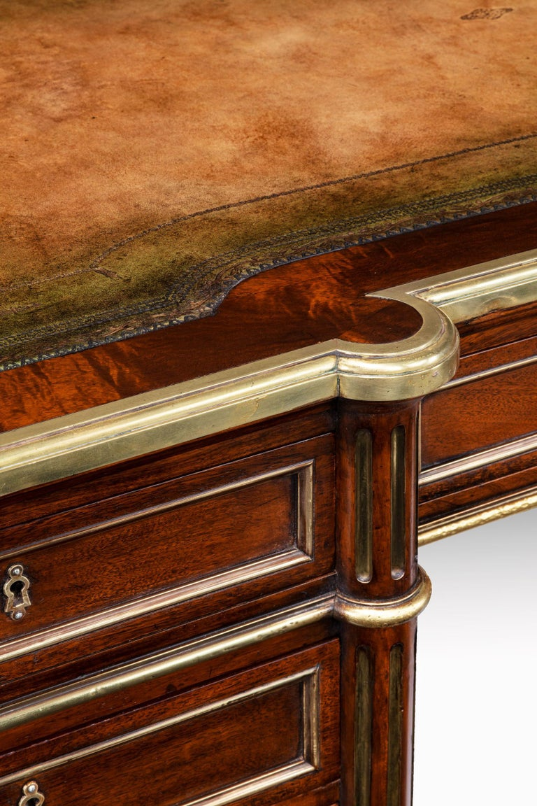 Fine 19th Century Gillows Brass-Mounted Mahogany Pedestal Desk In Excellent Condition For Sale In Benington, Herts