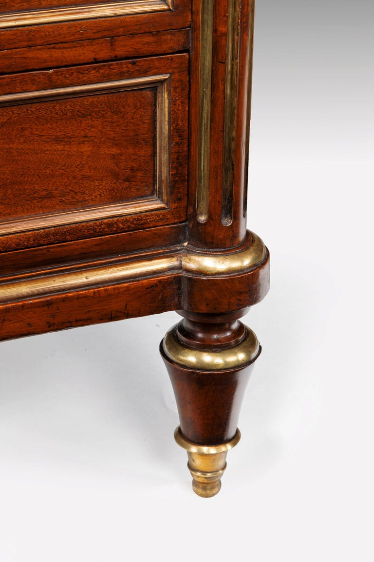 Fine 19th Century Gillows Brass-Mounted Mahogany Pedestal Desk For Sale 2