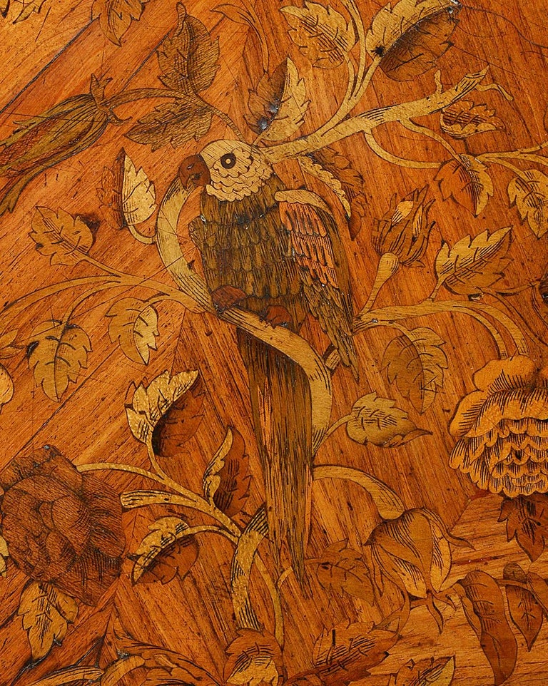 Mahogany Fine 19th Century Marquetry Inlaid Centre Table For Sale