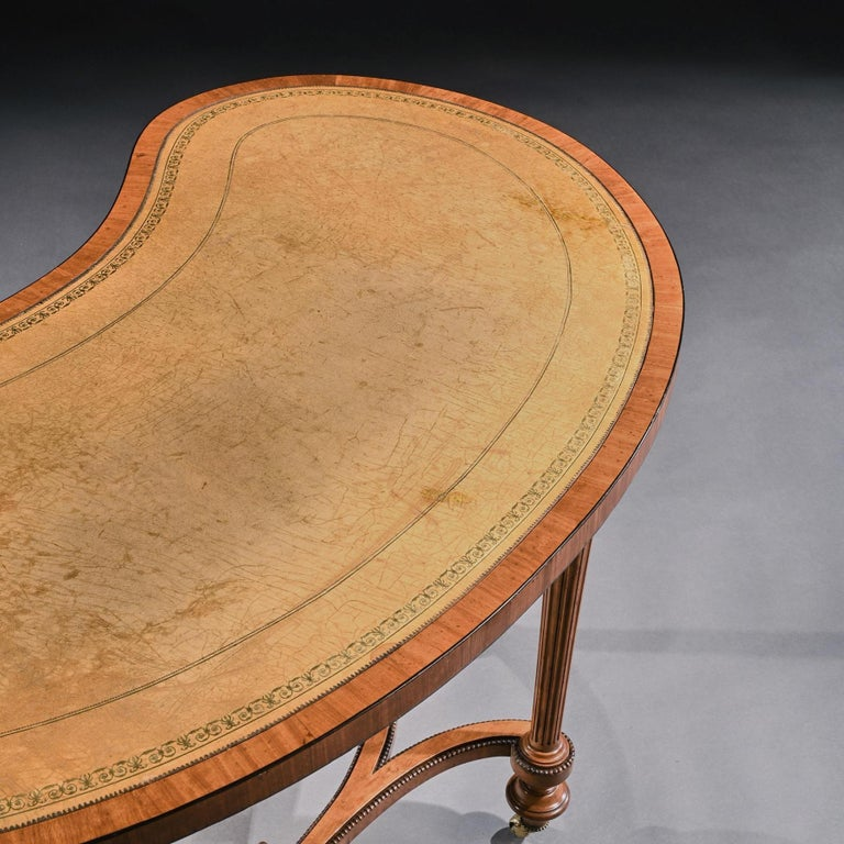 Fine 19th Century Satinwood Kidney Shape Side Writing Table For Sale 5