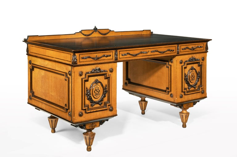 Fine 19th Century Viennese Satin Sycamore Writing Desk In Good Condition For Sale In Benington, Herts