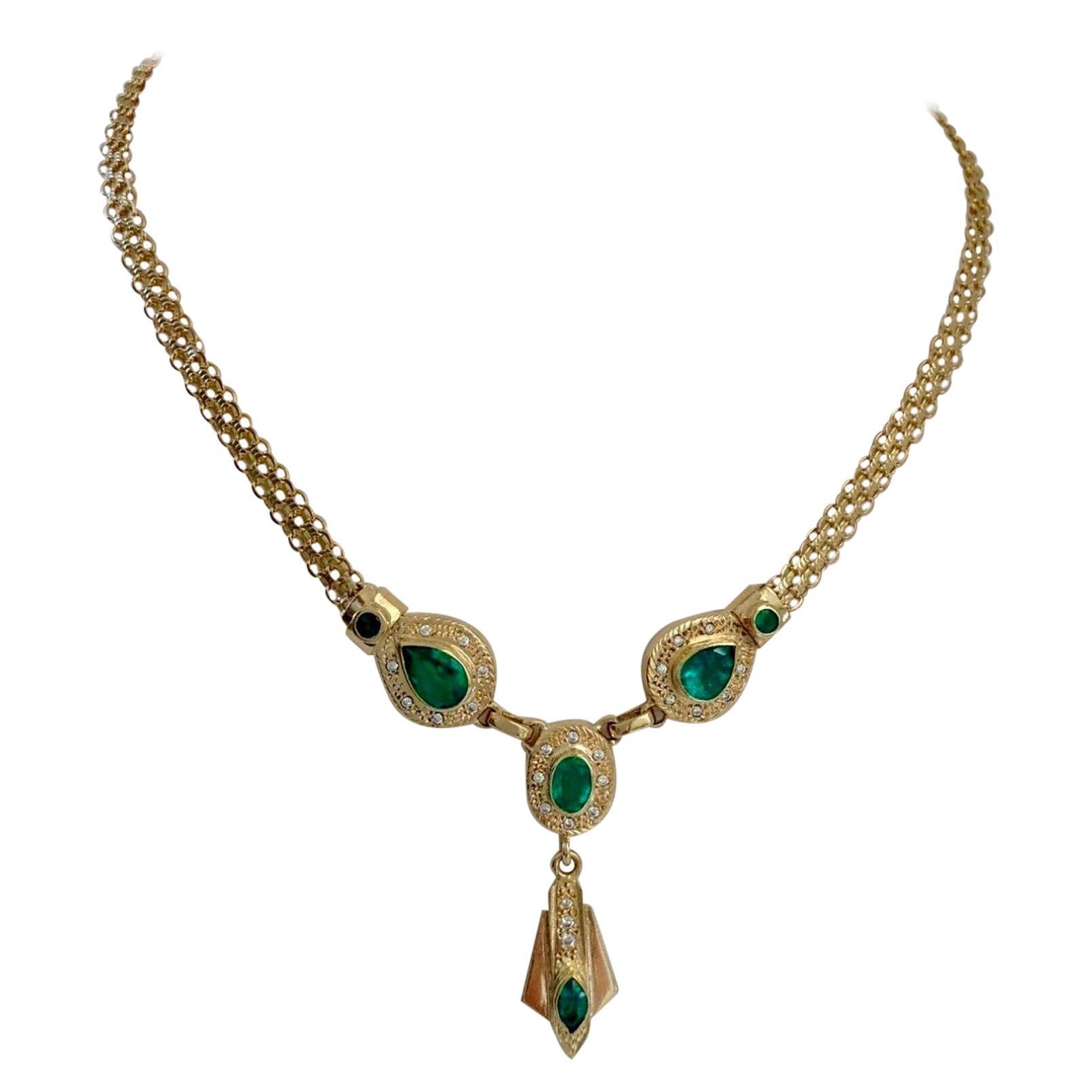 Fine 7.30 Carat Colombian Emerald Necklace 18 Karat