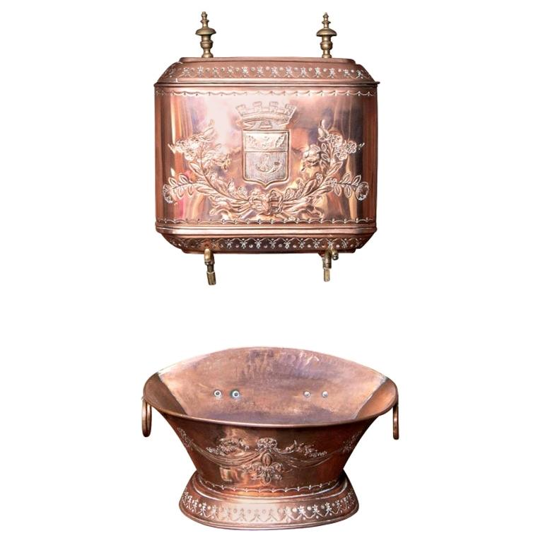 Fine and Decorative 19th Century French Repoussé Copper Lavabo For Sale