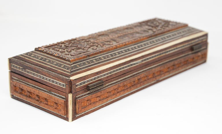 Fine Antique Anglo Indian Mother Carved Box For Sale 6