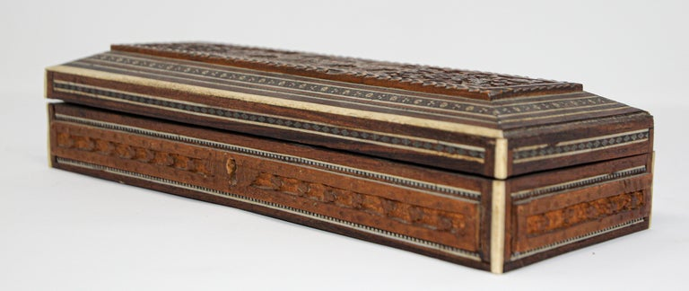 19th Century Fine Antique Anglo Indian Mother Carved Box For Sale
