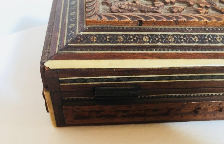 Fine Antique Anglo Indian Mother of Pearl Inlay Box For Sale 3